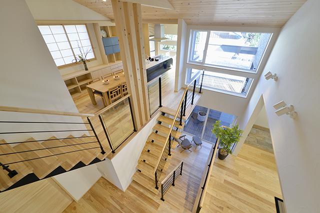 空間も用途も豊かに広がる。注文住宅で叶えるスキップフロアのある暮らし