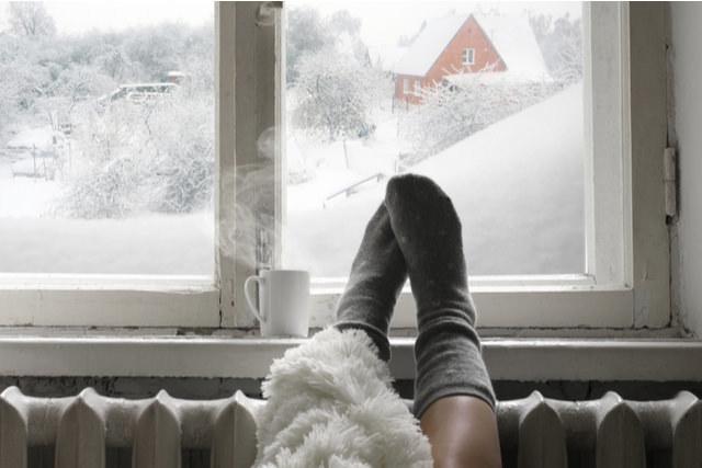 暖房の燃費選手権!冬期間の光熱費を軽減してくれる暖房設備はどれ?